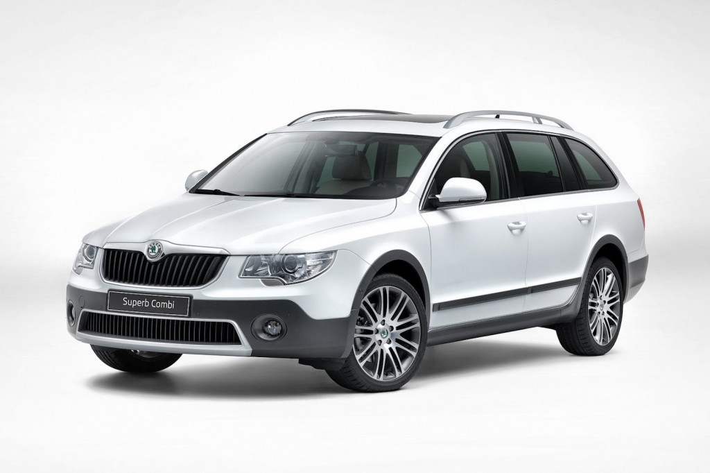Skoda Superb Combi Outdoor 2013