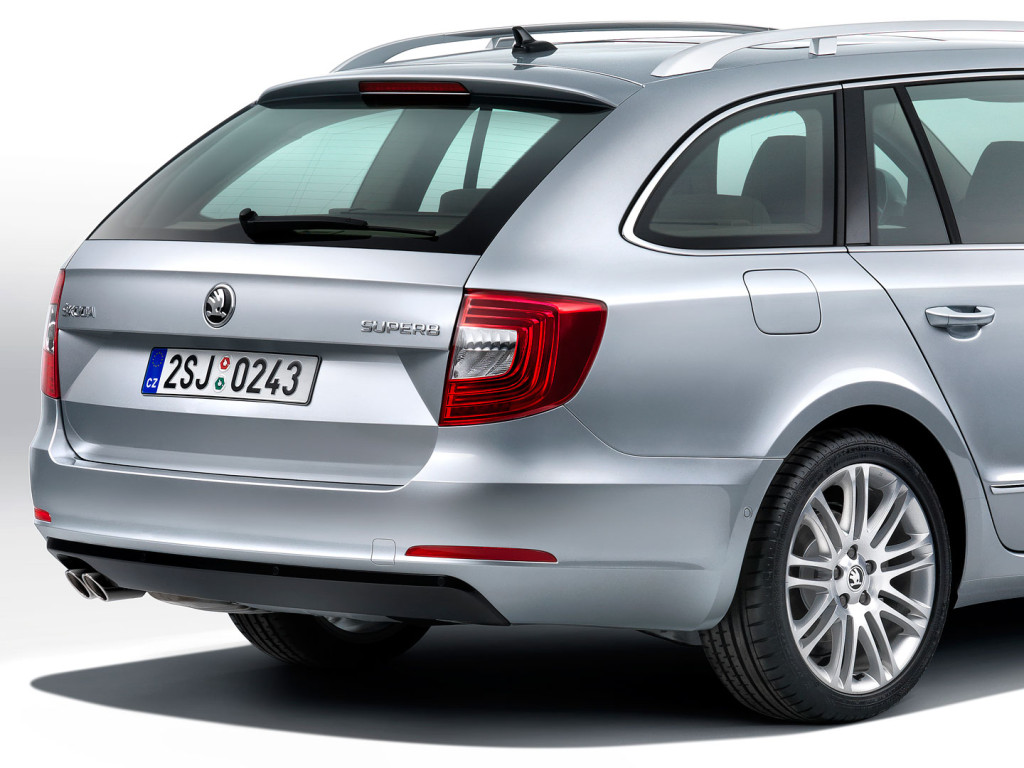 Škoda Superb Combi facelift (2013) - na voljo od 633 litrov do 1865 litrov prostornine