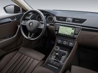 Škoda Superb 2015 - notranjost